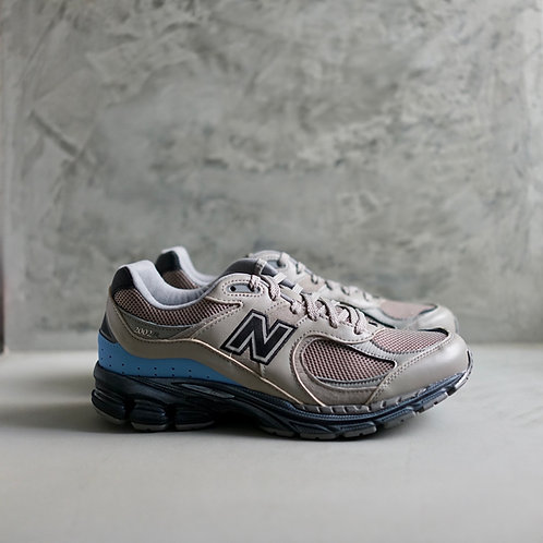 New Balance ML2002RN