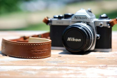 Roberu Oil Leather Camera Strap - Classic Brown