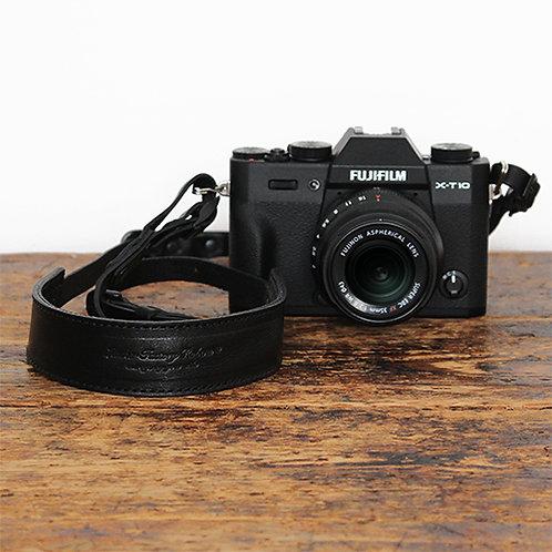 Roberu Oil Leather Camera Strap All Black Edition