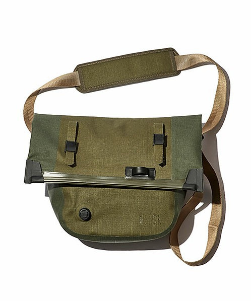 F/CE. No Seam Shoulder Bag - Olive