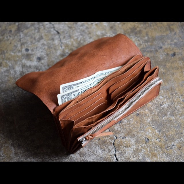 Roberu Washed Leather Long Wallet Camel