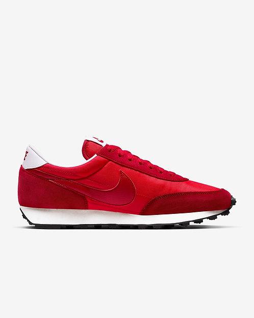 Nike Daybreak - University Red