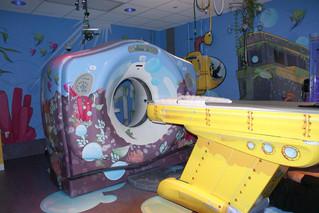 Как успокоить детей во время МРТ-сканирования?