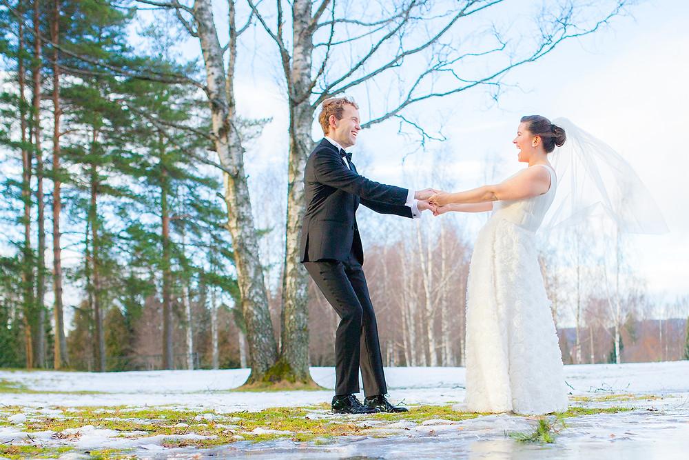Fotograf til bryllup, oslo, norge, bryllupsfotograf med lang erfaring, fotograferer ditt bryllup med egen fotografisk stil, profesjonellt og rimelig. Elsker å fotografere bryllup og andre viktige hendelser.
