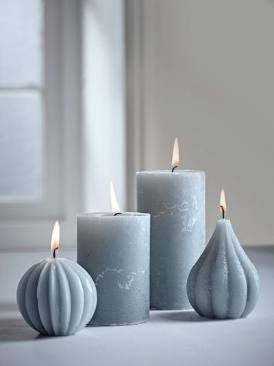 Love the idea of grey candles instead of sticking to tradtional white/cream…: