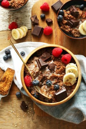 Dark Chocolate Quinoa Breakfast Bowl: