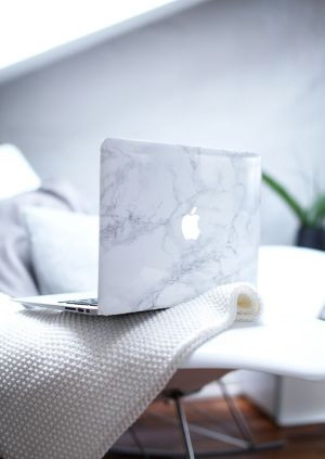 Mac marble // love this laptop case:
