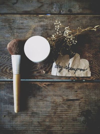 DIY All Natural Dry Shampoo | Free People Blog #freepeople:
