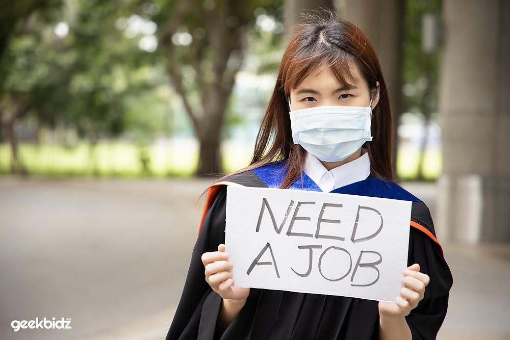 5 Best Strategies for Overcoming Employer Bias Against New Graduates - Geekbidz