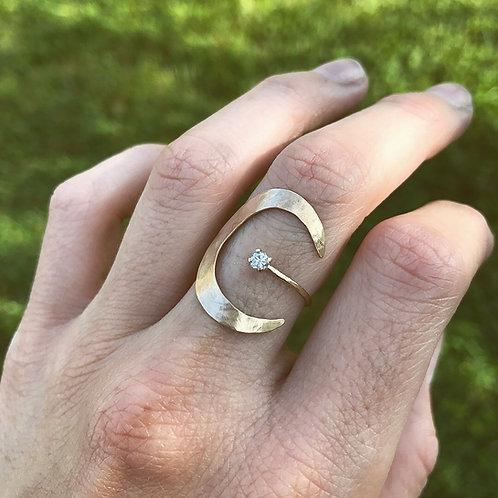 14k Luna Ring