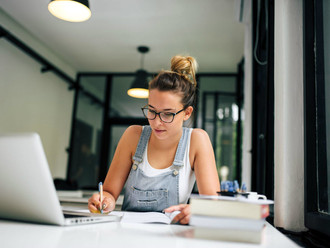 Como trabalhar e estudar sem perder o equilíbrio?
