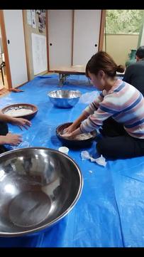 山の蕎麦打ち体験
