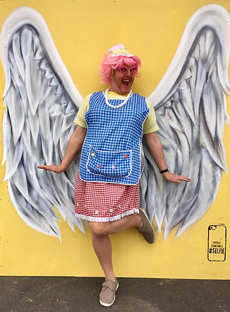 Dinnerlady angel solo.jpg