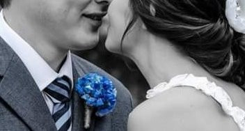 First bridal kiss