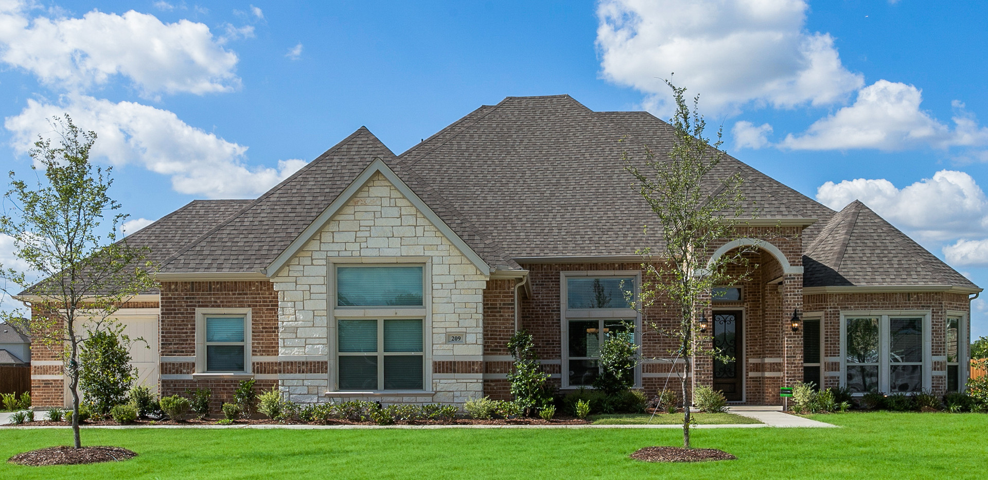209 Castle Creek, Red Oak