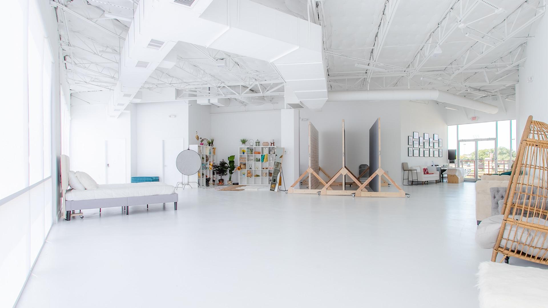 Black and Light Studio Space