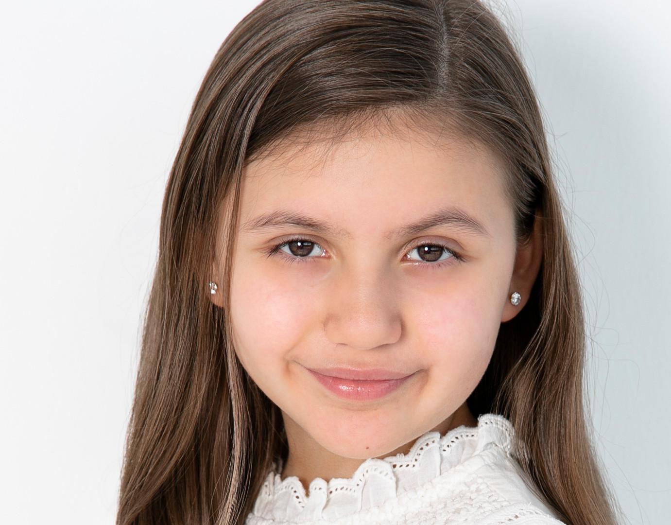 Actress Headshot.jpg