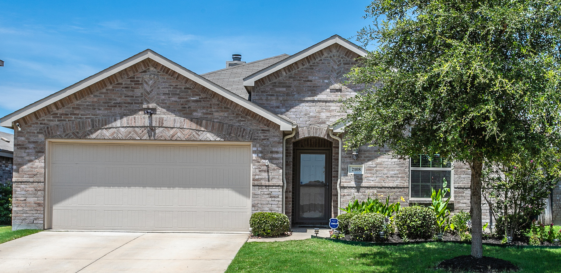 2108 Rains County Rd, Forney