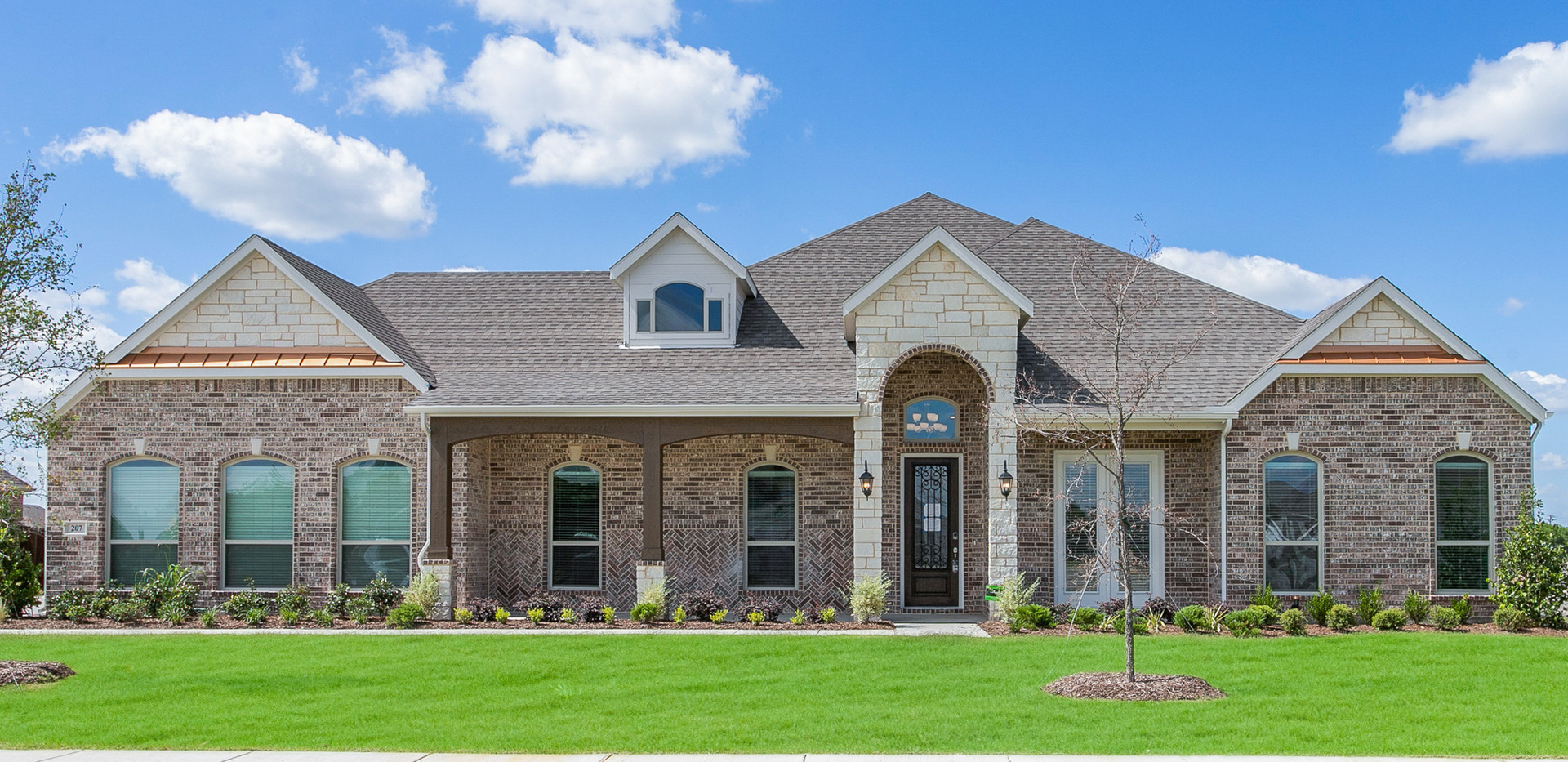 207 Castle Creek, Red Oak