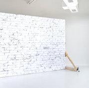 Black and Light Studio White Brick Rolli