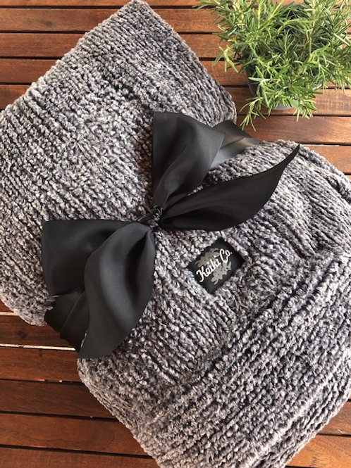 ONYX WEAVE COUTURE THROW