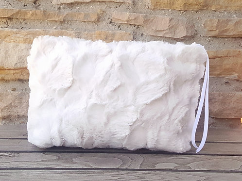 IVORY LUXE ACCESSORY BAG