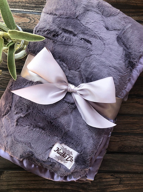 CHARCOAL PLUSH THROW