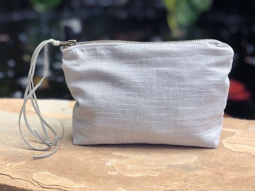 SILVER LUXE LINEN METALLIC ACCESSORY BAG