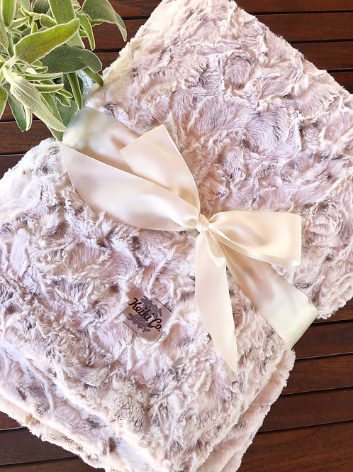 SNOWY OWL COUTURE THROW
