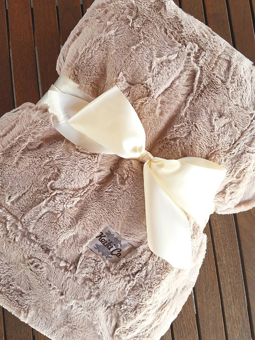 CAMEL COUTURE THROW