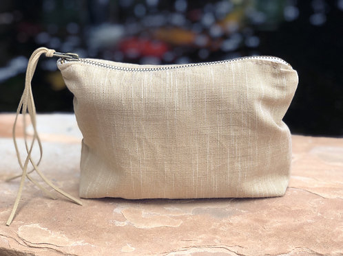 RAFFIA LUXE LINEN METALLIC ACCESSORY BAG