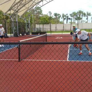 The Currys playing Simone Jardim in Napl