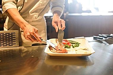 restaurant-1284351_1920.jpg