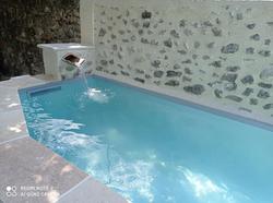 Bleu Azur Piscine - Transformation d'un bassin en mini piscine de 6m - petite chute d eau, escalier