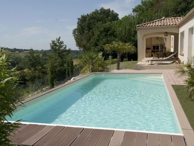 piscine-rectangulaire-terrasse-en-bois-1