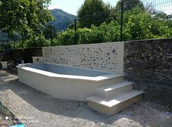 Bleu Azur Piscine - Transformation d un bassin en mini piscine de 6m - petite chute d'eau , escalie