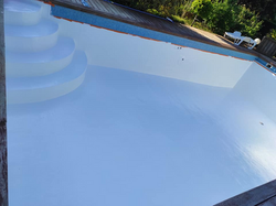 Rénovation piscine en béton armé avec polyester et gelcoat de finition-3