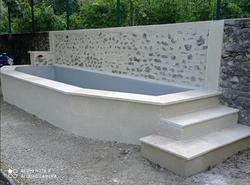 Bleu Azur Piscine - Transformation d'un bassin en mini piscine de 6m -petite chute d'eau, escalier