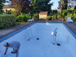 Rénovation piscine en béton armé avec polyester et gelcoat de finition-2