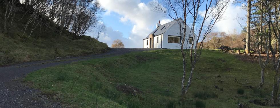 Torbreck Cottage from road