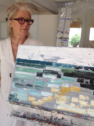 Artist with her painting at Art by Wietzie
