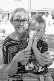 Mom & kids 003.jpg