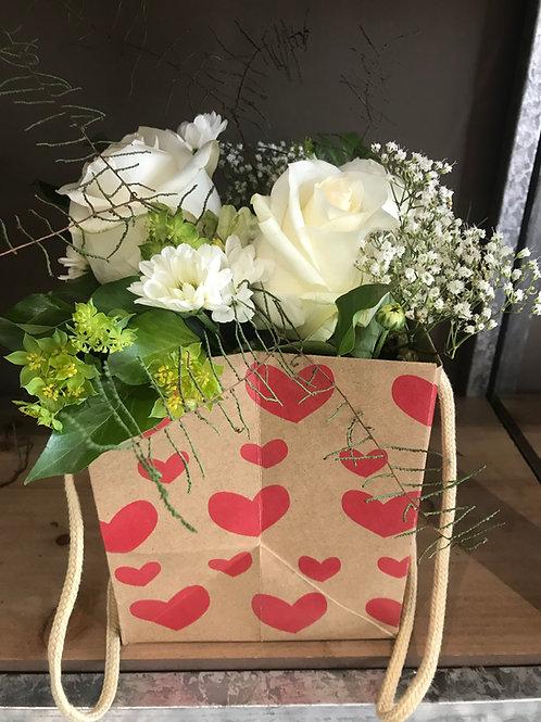 Herzlitäsche mit Rosen