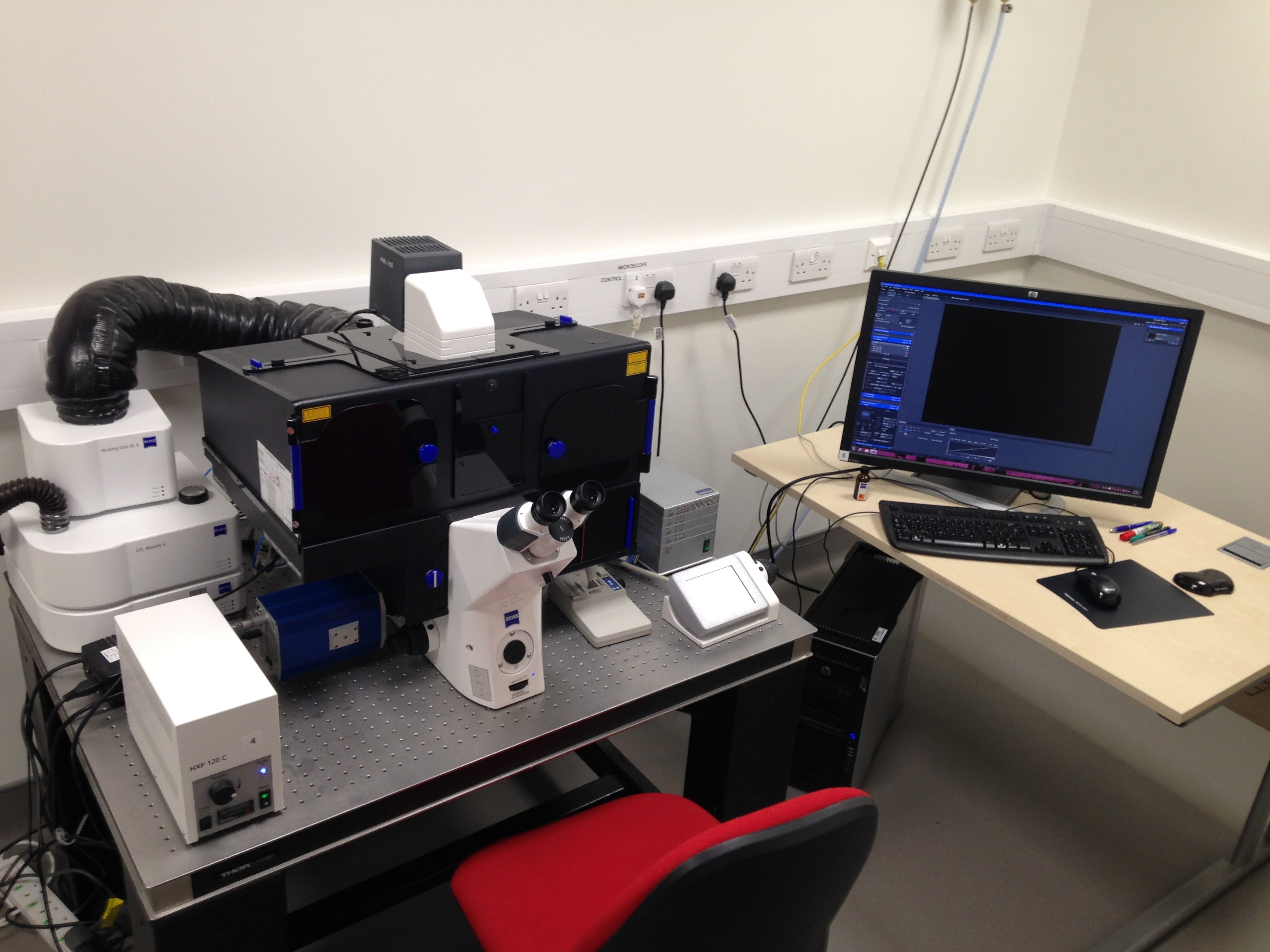 Live imaging microscope