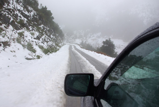 How to Travel in Poor Weather Conditions This Winter
