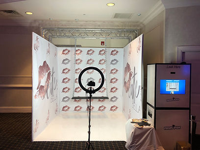 Swing Booth For Wedding Photo Stations