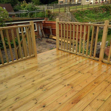 Peters Decking Services 3 .jpeg