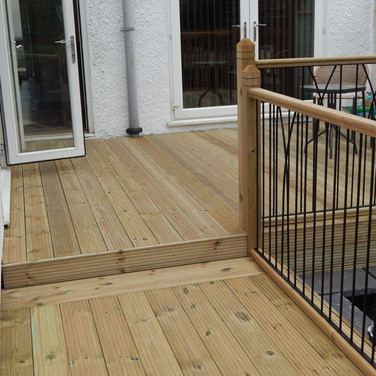 Peters Decking Services 2 .jpeg