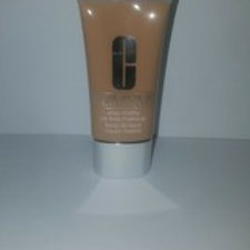 STAY-MATTE OIL-FREE MAKEUP;#14 VANILLA(MF-G);DRY COMBINATION TO OILY;CLINIQUE