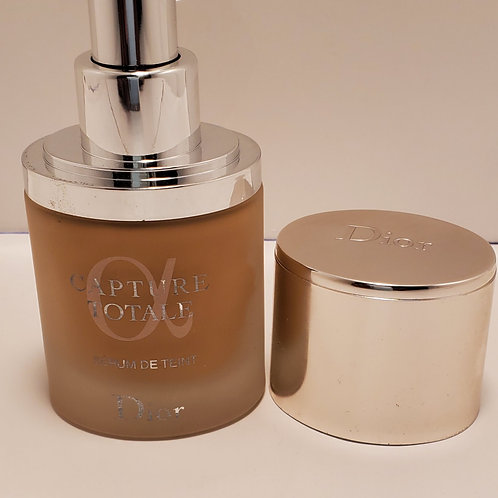 Christian Dior capture totale triple correcting serum foundation spf 25; 1fl.oz
